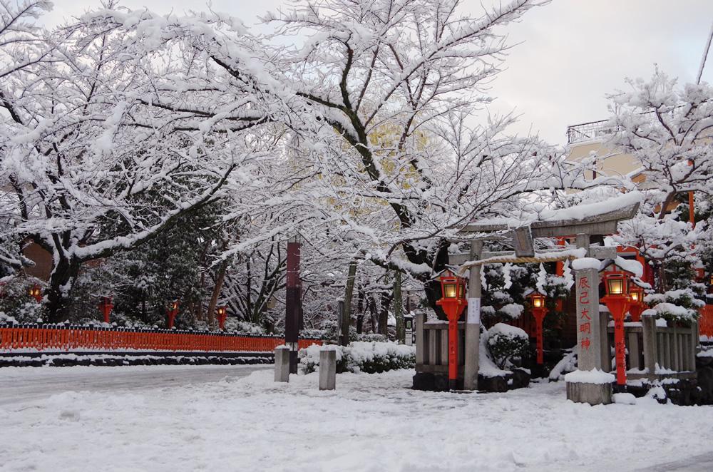 祇園周辺の雪